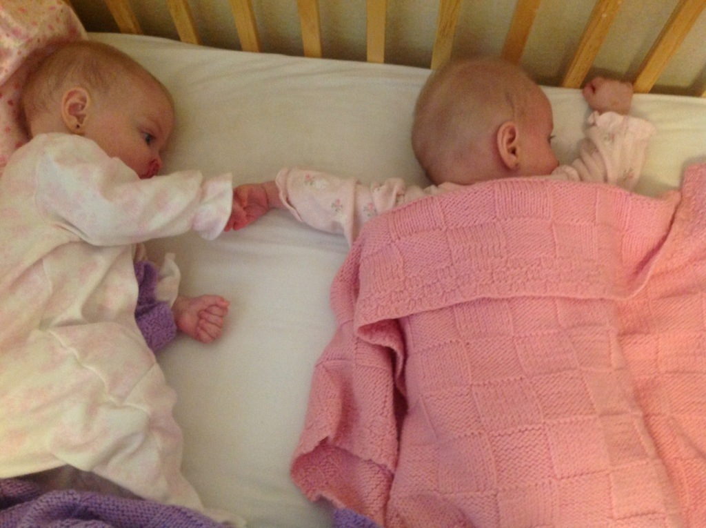 putting our twins to sleep in the same crib