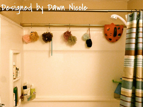 easy organizer for shower stuff in the bathroom