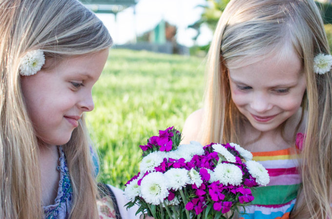 we help our kids to live naturally by growing our own veggies and flowers
